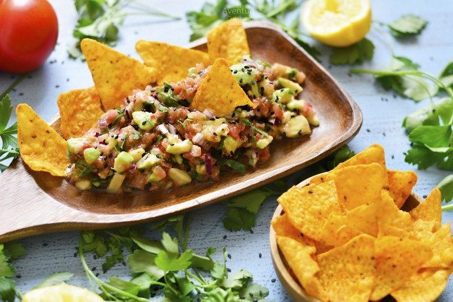 Un snack rapid si sanatos – Chunky Guacamole