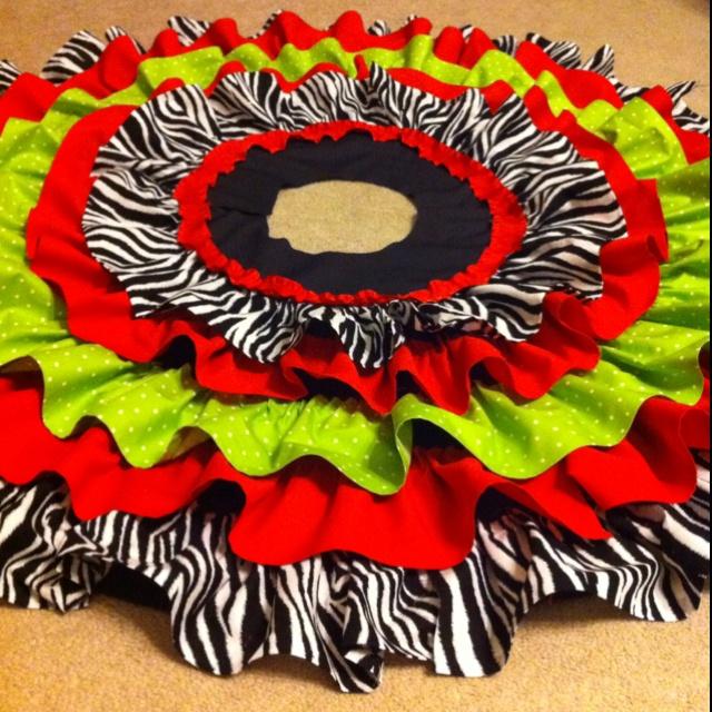 No-sew ruffle tree skirt