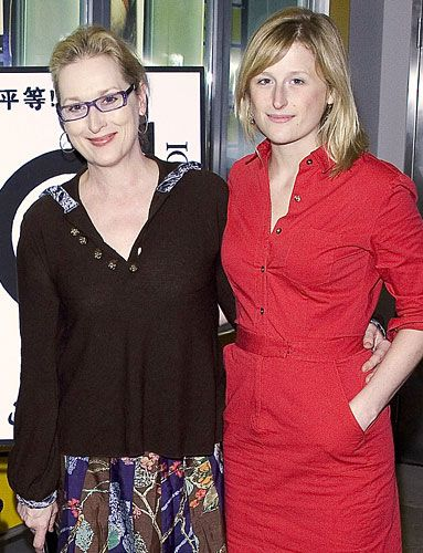 Sandy blondes: mother Meryl Streep and daughter Mamie Gummer. Get your own custom blended #hair #color to cover #gray hair at home here: www.eSalon.com