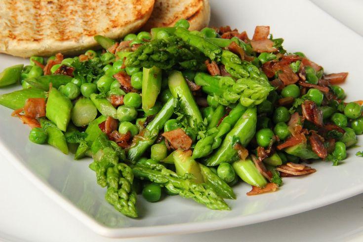 V kuchyni vždy otevřeno ...: Zelený chřest s hráškem