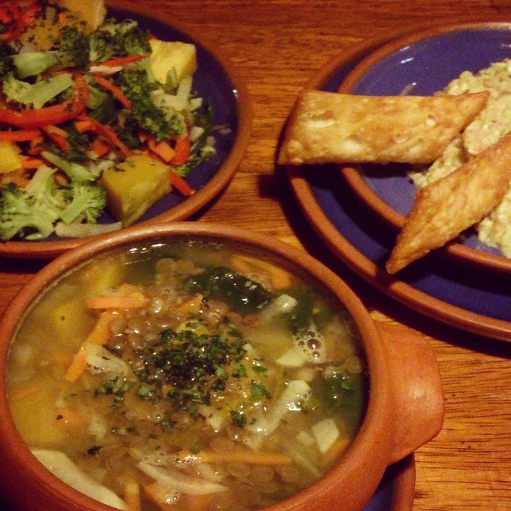 Easy en lekker: veggie Peruaanse linzensoep met groenten!