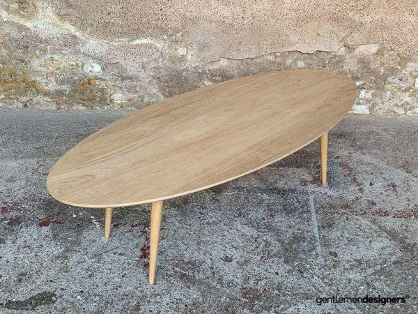 Table Basse Ovale Avec Plateau Et Pieds En Chene Massif Table Basse Ovale Table Basse Table Basse En Caisse