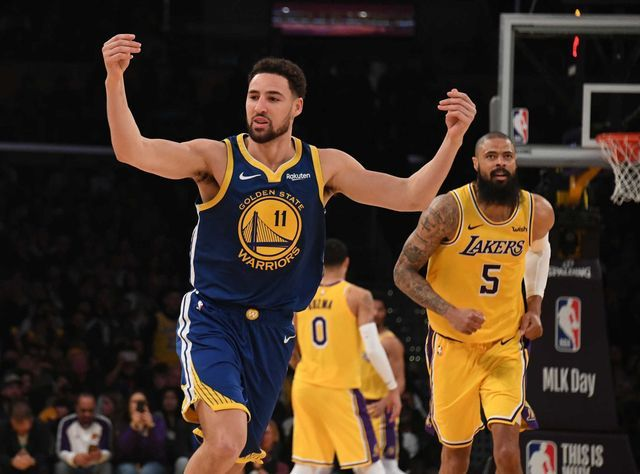 Klay Thompson Ties Nba Record By Hitting 10 Straight 3 Pointers Against The Lakers Klay Thompson Lakers Klay Thompson Golden State Warriors