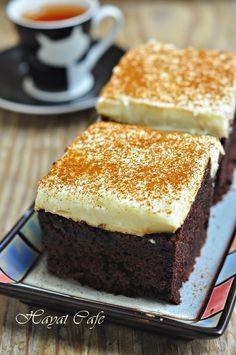 üzeri muhallebili kakaolu kek