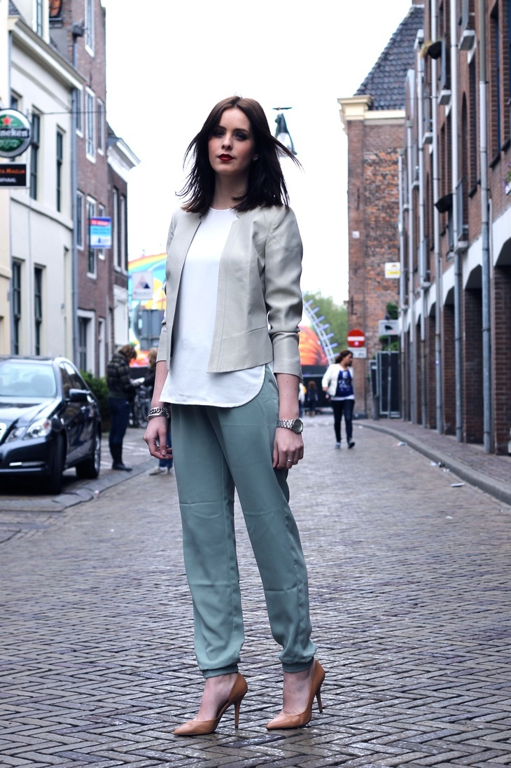 moderosa: Style Inspiration, Trousers Outfit, Mint Trousers
