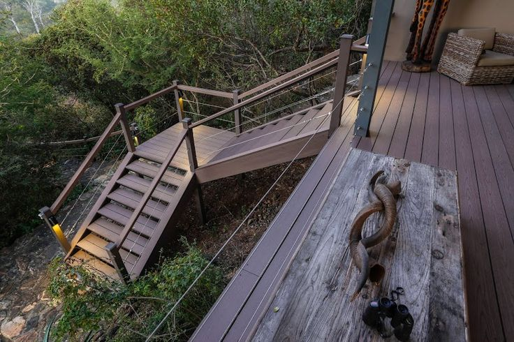 Greenfire Lodge part of Drifter Game Lodge in Hoedspruit. A wonderful display of how to make your deck, stairs and railings look good using Eva-tech Infinity boards.