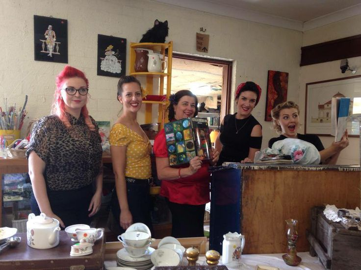 Duchess Di Dee & the happy shoppers at a local vintage shop.The Flying Wardrobe dianed@westnet.com.au