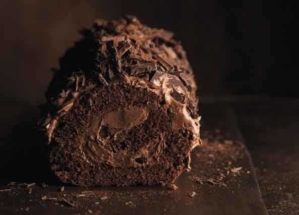 This yule log is rustic, easy to prepare and perfect for Christmas day!