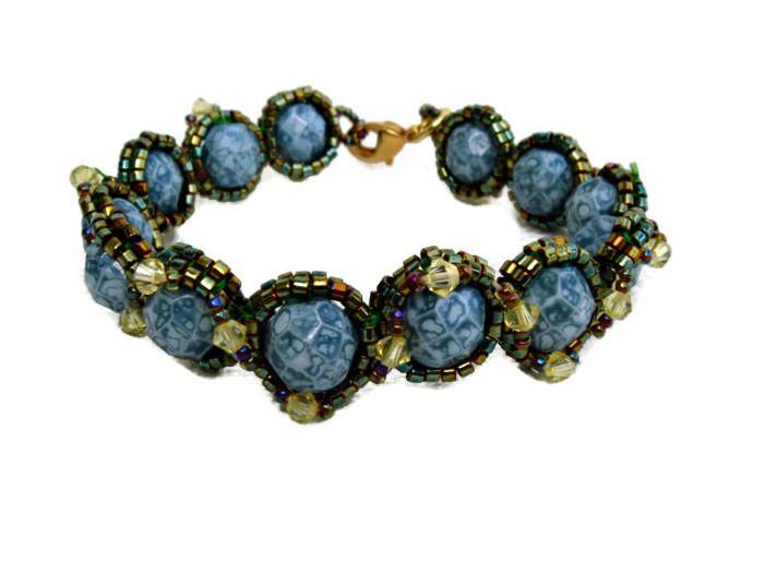 Bracelet verd émeraude marblé avec delicas et Swaro : Bracelet par barcelonaibizacolors