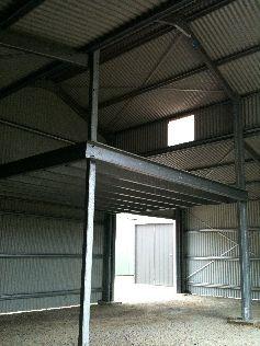 DIY- Kit Barns. Mezanine