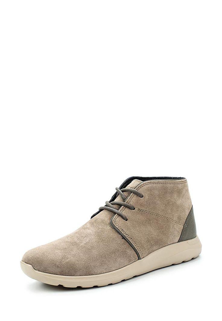 Ботинки Crocs выполнены из натуральной замши,текстильные стелька и подкладка. Детали: шнуровка на подъеме, пятка усилена вставкой из натуральной кожи, гибкая подошва.