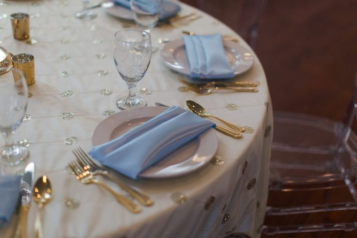 Baby blue and cream linens with gold accents | Selecting Your Virginia Wedding Venue | Entwined Events | Venue: The Bedford Columns in Bedford, VA | Photo Credit: Lauren Paige Photography