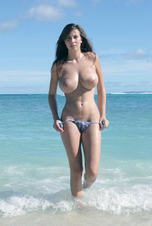 Teen bikini girl screwed on beach — pic 14