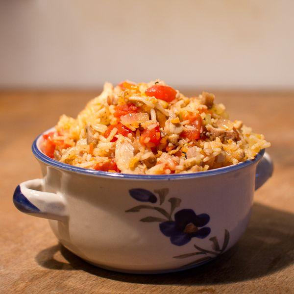 Rijst met tomaat en kip. Vanaf 7 maanden.