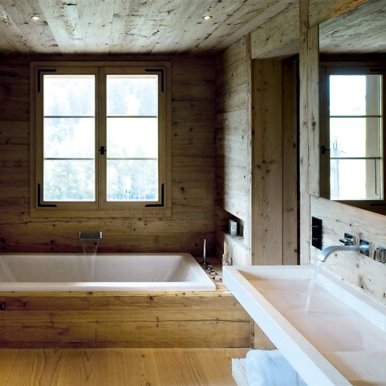 sauna style with walls clad in pale softwoods. Popular species are pine, Nordic spruce and cedar.