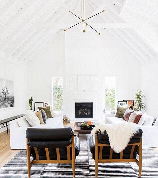 "The Midcentury Maven: @amberinteriors -- Effortlessly mixing midcentury finds with exotic textiles and modern hardware, Amber Interiors' eclectic spaces are Southern California-inspired through and through. See more of our favorite interior designers to follow in ""21 Must-Follow Insta Feeds for 2016"" on the One Kings Lane Style Guide!"