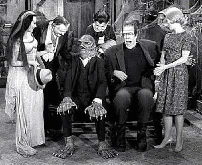 "We've really been enjoying the Creature From the Black Lagoon movies all month on Svengoolie. Now, I've got to find this episode of The Munsters, where he appears as ""Uncle Gillbert"". Got Mad Love for the Creature."