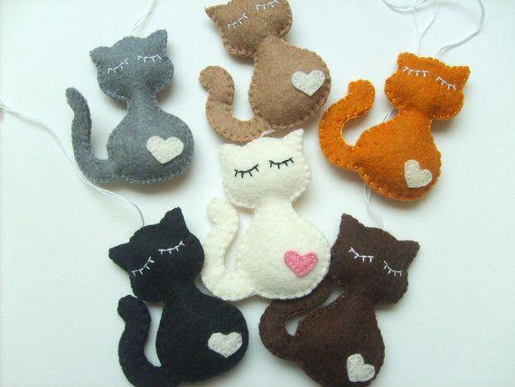 Gato fieltro llavero negro gato regalo accesorios por grabacoffee                                                                                                                                                     Más