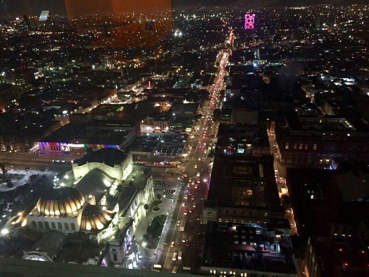 Una linda y hermosa vista desde el piso 41 Miralto Restaurante Y Bar Piso 41 Torre Latino