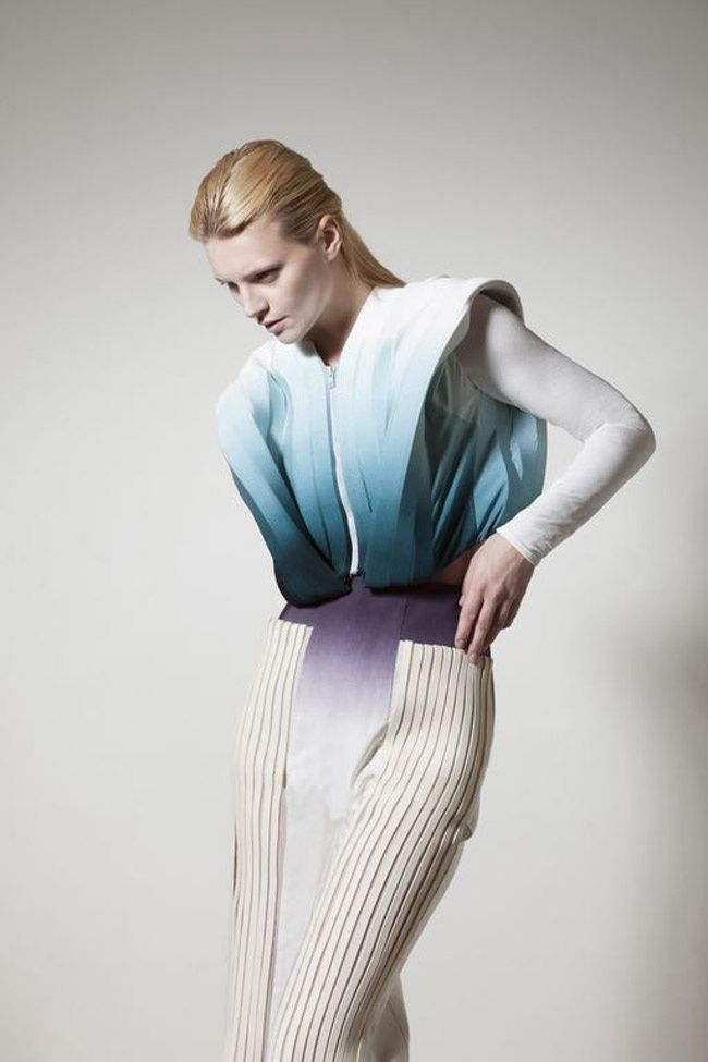 BETWEEN THE FOLDS: COLLECTION 'SCHIZOPHRENIA' BY MIN WU