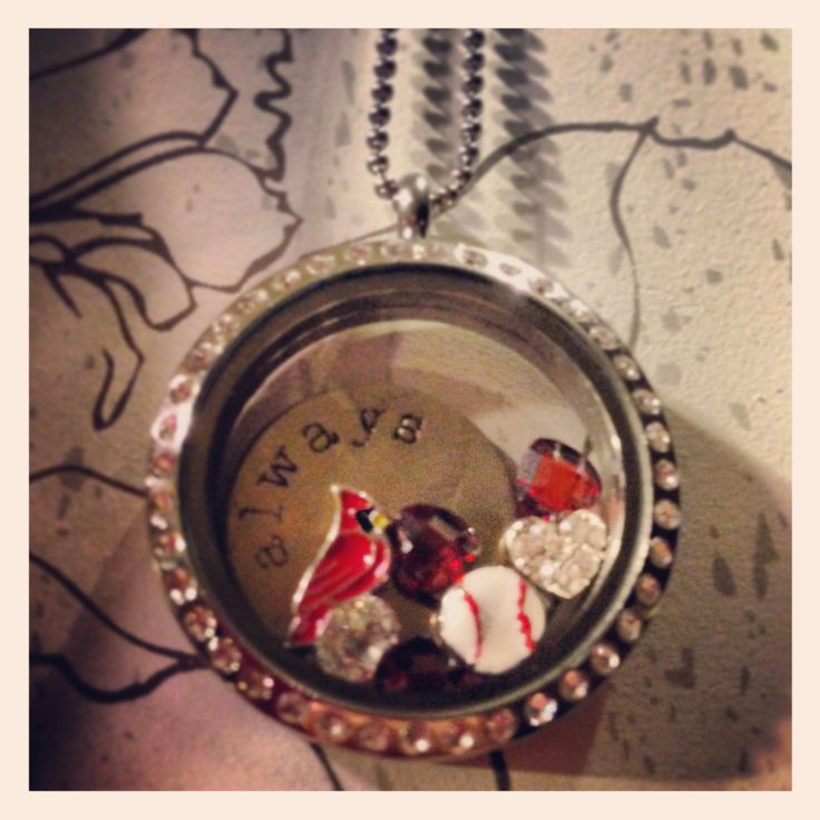 STL Cardinals Living Locket from Origami Owl!! Go Red Birds!  SHOP ONLINE AT www.crystalarellano.origamiowl.com