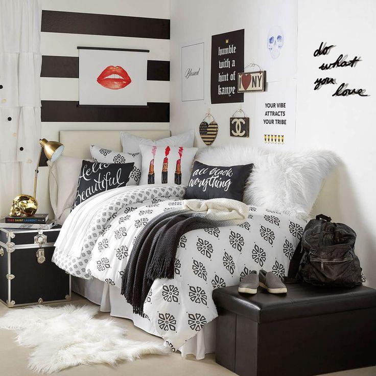 Best 25+ Dorm room ideas on Pinterest | College dorm decorations ...
