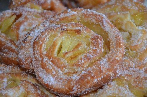 beignets escargots aux pommes moelleux, bons beignets aux pommes moelleux roulés en escargot faciles et rapides parfumés à la cannelle