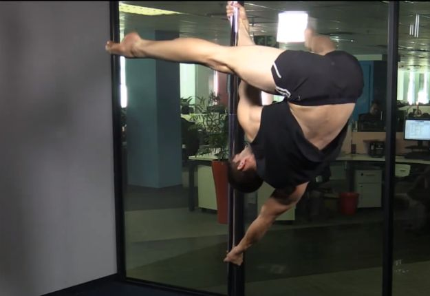Pole fitness for men is a growing global trend. Watch David Rutherfoord-Jones from Pole Dance Cape Town show off his moves in our studio #meninpole #menwhopole #XPoleSA #inpoleposition
