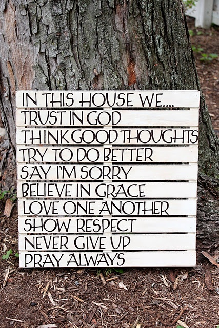 pallet wall art: house rules. (LOVE)
