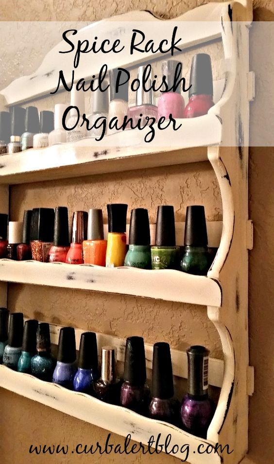 Organizing small beauty products in a neat way can be pretty difficult – especially if you aren't a naturally tidy person. I think this is especially true when it comes to nail polish. You can't just put it anywhere since the bottles should ideally be kept upright in a relatively cool spot (so, not in the sunlight or at the bottom of a bin). You also need to be able to grab it easily, you know, without managing to knock down every other bottle you own, causing a mini beauty avalanche.