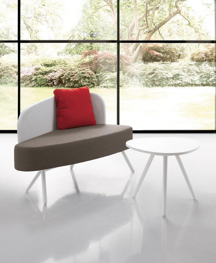 Office sofà with asymmetrical shape #waiting #office #Blog_Sesta