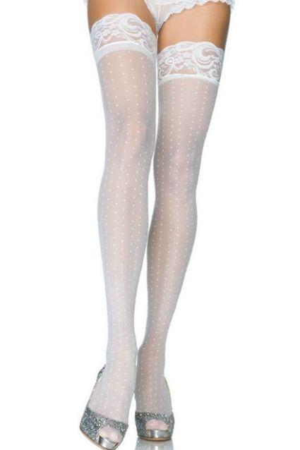 Calze e lingerie  sono un must per la sposa. Che si tratti di un matrimonio d'inverno o in estate, le calze sono accessori che danno più luminosità e colore alle gambe e valorizzare maggiormente il vostro abito da sposa.