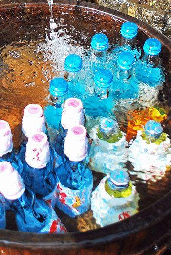 Ramune - Japanese Soda Pop with a marble in the bottle. Cute and refreshing. 神社の秋祭りの時、お菓子の袋詰めや掃除の手伝いの後にお菓子とラムネをもらえたのが子供心に嬉しくて、手伝いばかりでお祭りを楽しんだ思い出はないけど、心に残る良い思い出。