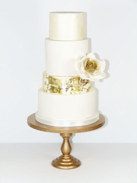 Cake Decorating Gold Leaf : Distressed Gold leaf wedding cake Cake Pinterest
