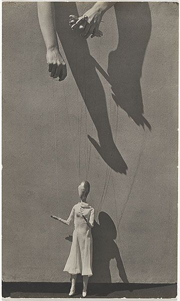 Tina Modotti, Hands with Marionette, 1929