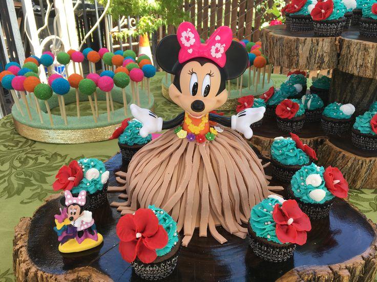 Minnie Mouse Luau Cake
