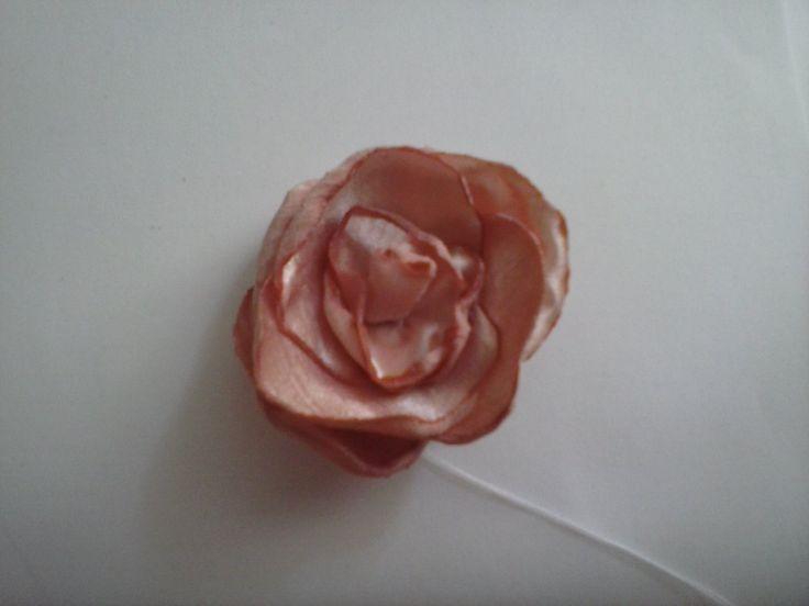rosa de raso