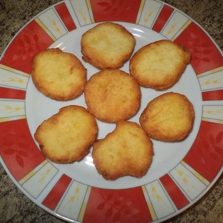 Egy finom Olajban sült burgonyás pogácsa ebédre vagy vacsorára? Olajban sült burgonyás pogácsa Receptek a Mindmegette.hu Recept gyűjteményében!