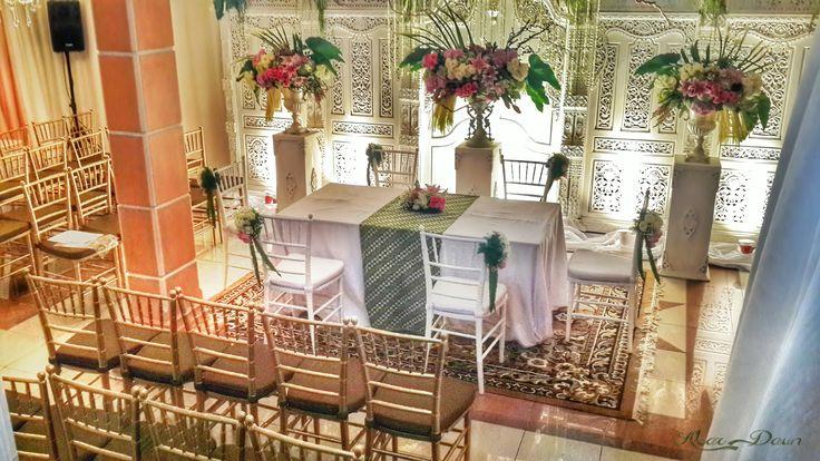 Project by Akar Daun Decoration http://www.bridestory.com/akar-daun-decoration/projects/nita-bayu