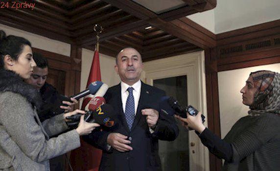 Němci stopli vystoupení tureckého ministra a Ankara zuří. Žádá lekci slušnosti