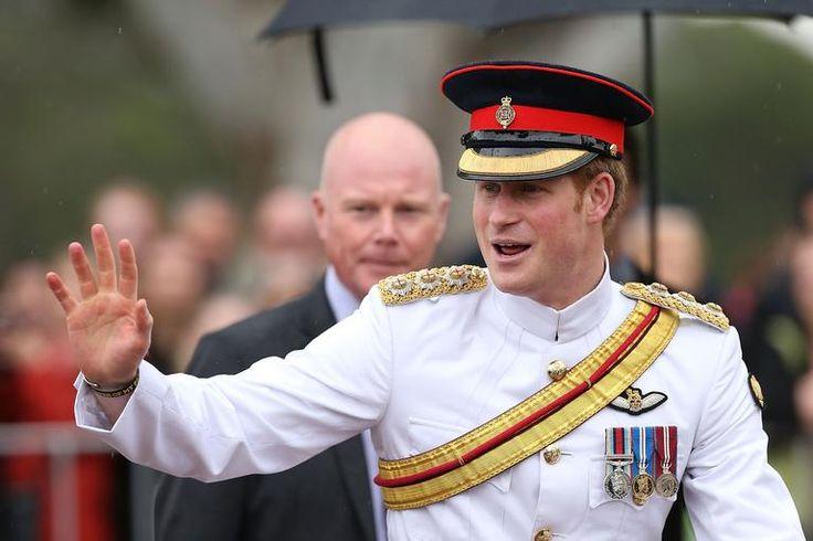 Príncipe Harry pede pelo 'fim das selfies' em visita à Austrália