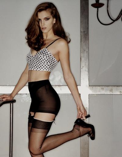 In patterned pantyhose rochele
