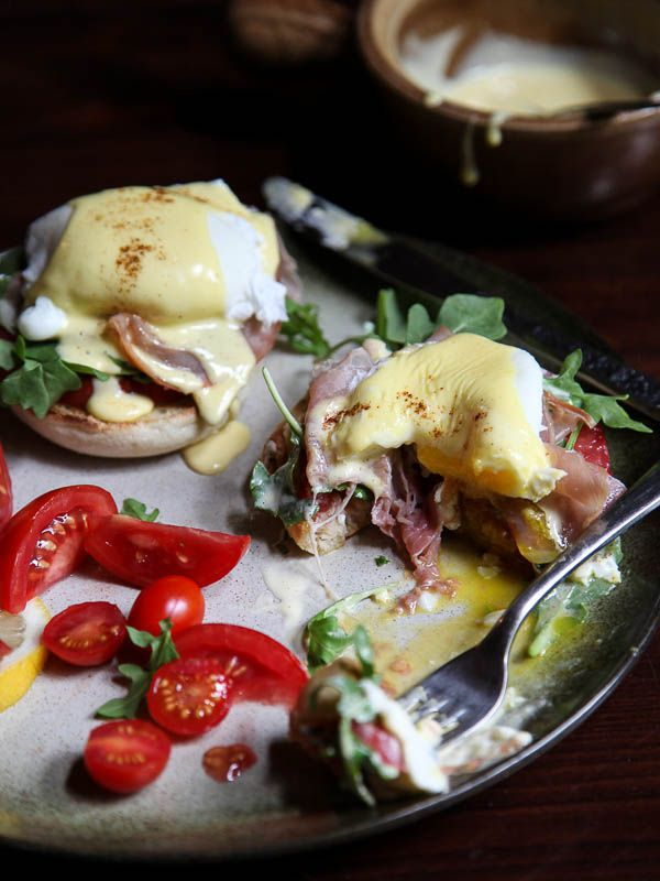 Arugula and Prosciutto Egg Benedict by foodiecrush: Made with a silky blender hollandaise which comes together in just five minutes. #Eggs_Benedict #Prosciutto #Spinach #Easy