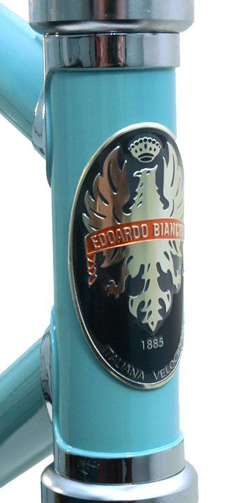 My love for Italian style isn't exclusive to things with motors. I also ADORE Bianchi bicycles!