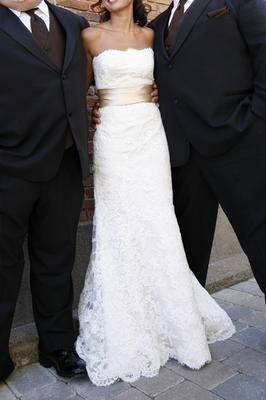 lace dress with sashGold Sash, Lace Wedding Dresses, Wedding Dresses Pink Sash, Colors, Dresses Ideas, Wedding Dresses With Pink Sash, Color Wedding Dresses, Lace Dresses, Belts