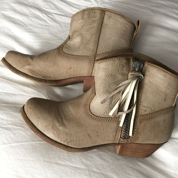 'Wylan' Fringe Western Bootie Worn 2-4 times, in great condition! Fringe tassel on the zipper pull can be easily removed. Big Buddha Shoes Ankle Boots & Booties