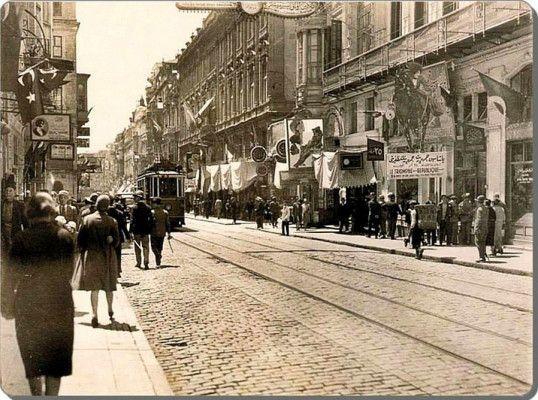 1928 İstiklal Caddesi
