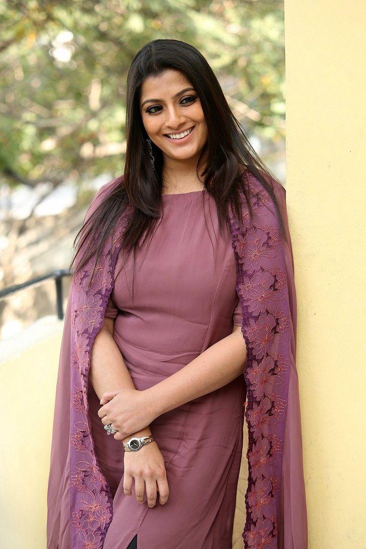 Actress VaralaxmiSarathkumar Photos BioGraphy Height