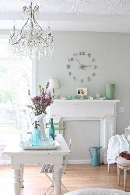 Benjamin moore bunny gray caroline 39 s room pinterest - Gama de colores para pintar paredes ...