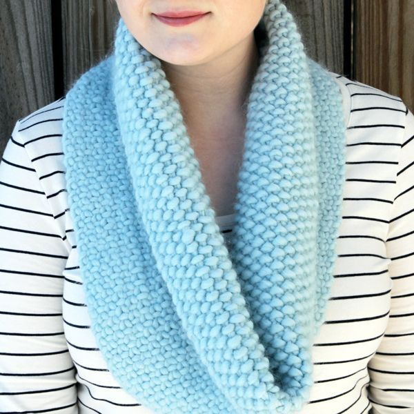 Knitted Faux Woven Cowl - Free Knitting Pattern with video tutorial to teach you the weaving technique easily